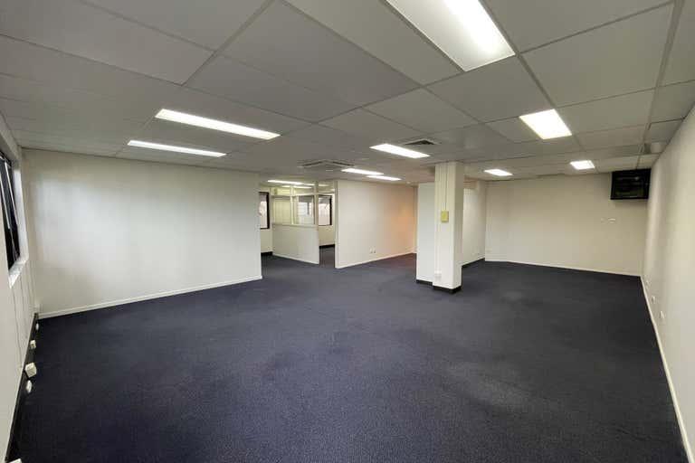 G1/109 Upton Street Bundall QLD 4217 - Image 3