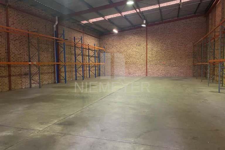 34 Garema Circuit Kingsgrove NSW 2208 - Image 2