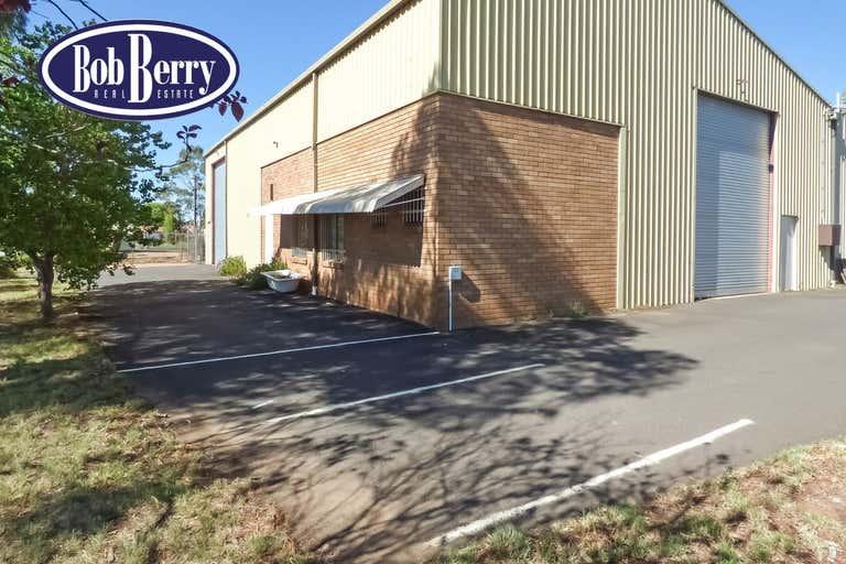 4 Fletcher Crescent Dubbo NSW 2830 - Image 1