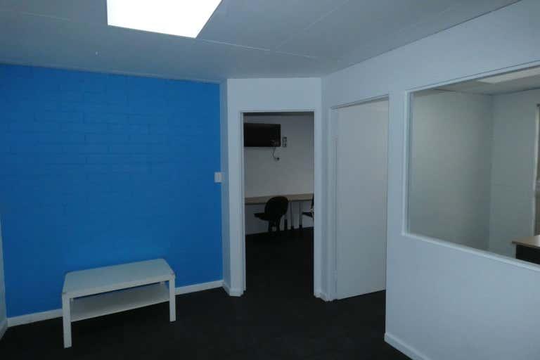 9/279 Lord Street Perth WA 6000 - Image 2