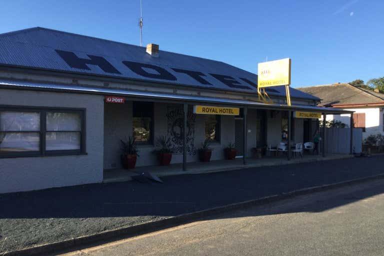 Royal Hotel, 1 Wyalang Street Caragabal NSW 2810 - Image 2