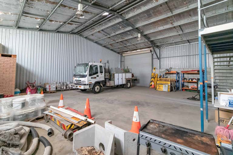 7/71 Racecourse Road Rutherford NSW 2320 - Image 1
