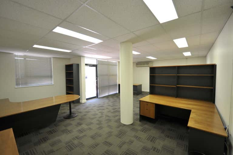 13/116 Mounts Bay Road Perth WA 6000 - Image 3