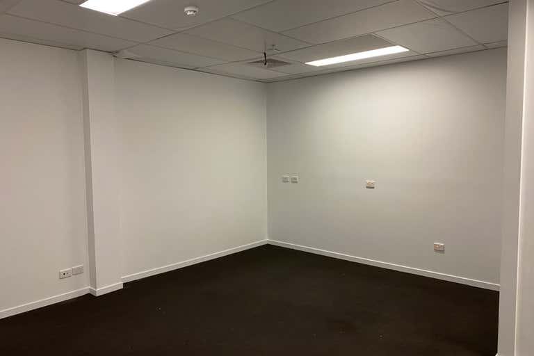 9/520 Victoria Street- North Melbourne VIC 3051 - Image 2