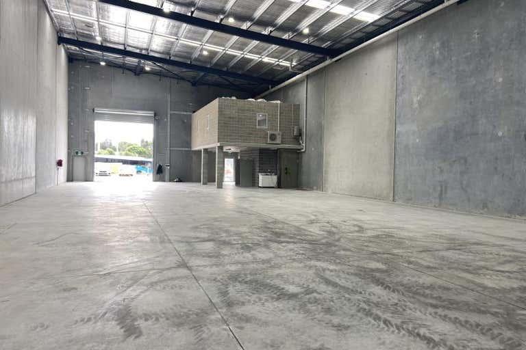 Unit 4, 28 Lady Penhyrn Drive Unanderra NSW 2526 - Image 3