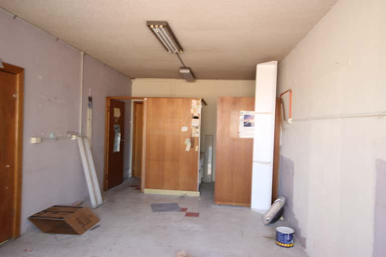 8/61 Moore  St Liverpool NSW 2170 - Image 4
