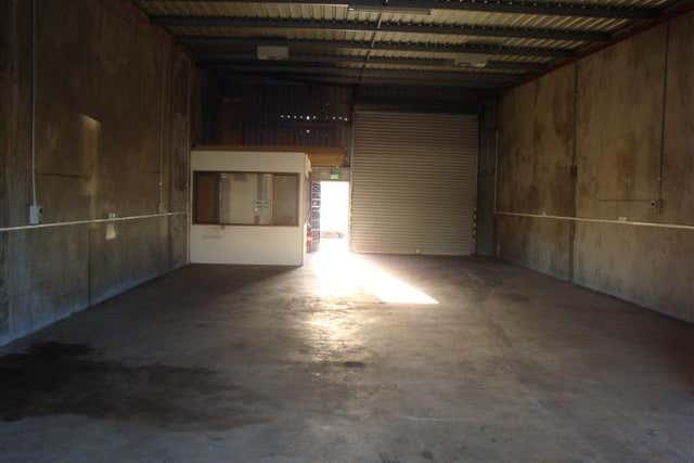 9 / 25 Hanson Street Maddington WA 6109 - Image 4
