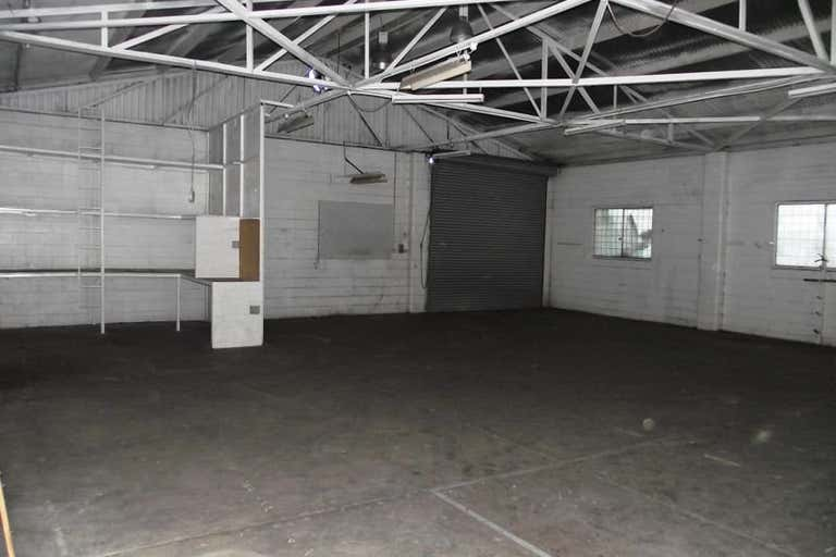 Unit 2, 241 George Street Rockhampton City QLD 4700 - Image 4