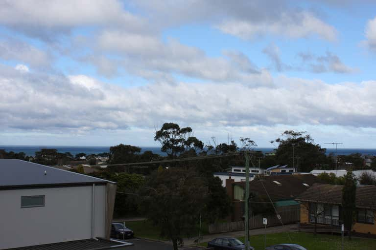 4/108-110 Surf Coast Highway Torquay VIC 3228 - Image 4