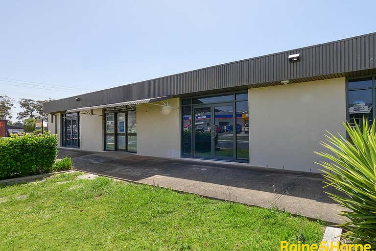 Unit 4, 146 Lake Road Port Macquarie NSW 2444 - Image 1