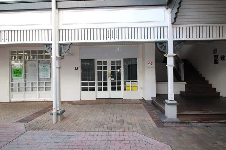 18/9 Abbott Street Cairns QLD 4870 - Image 1
