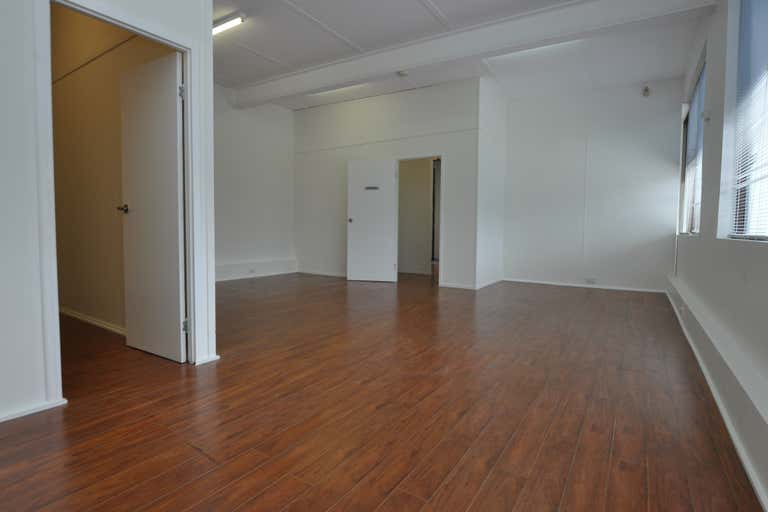 Suite 13, 49-51 Thomas Drive Chevron Island QLD 4217 - Image 2