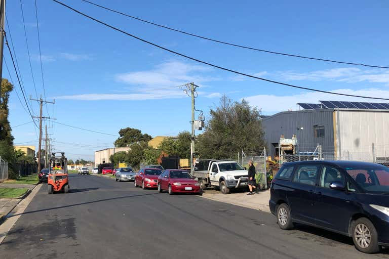 11 Arvona Avenue Sunshine North VIC 3020 - Image 2