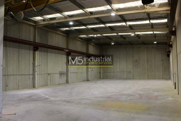 1/4 Pat Devlin Close Chipping Norton NSW 2170 - Image 2
