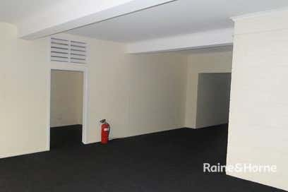 21 Off Street Gladstone Central QLD 4680 - Image 4