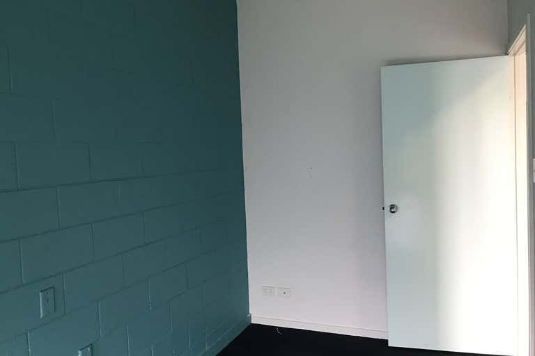 2/32 Baynes Street Margate QLD 4019 - Image 3