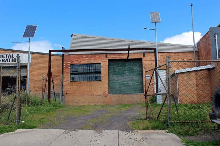 8 Riversdale Road Newtown VIC 3220 - Image 2