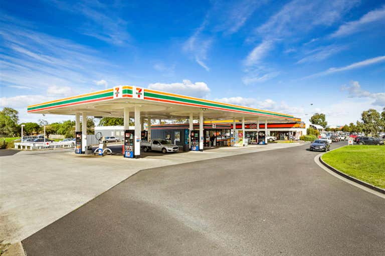 1015 South Gippsland Highway Cranbourne North VIC 3977 - Image 1