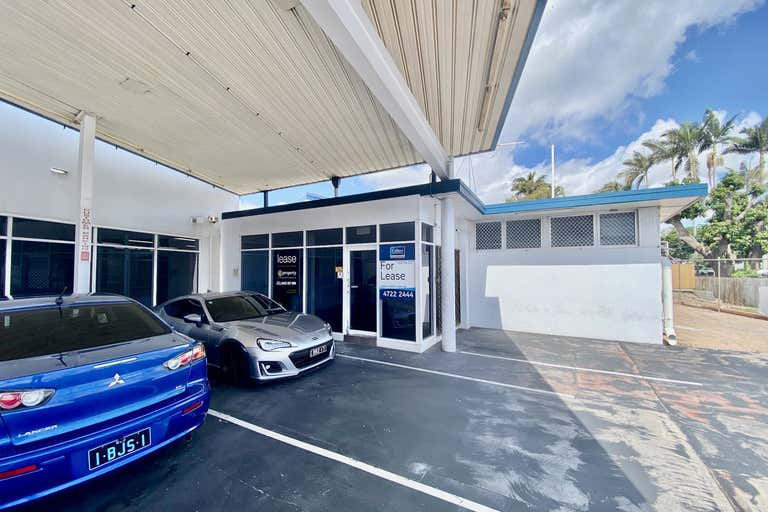 2/163-165 Charters Towers Road Hyde Park QLD 4812 - Image 2