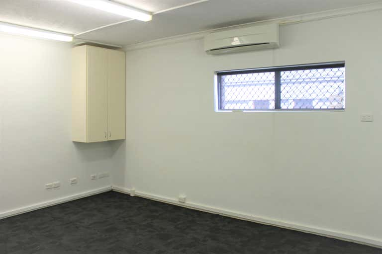 First Floor, 11D/20 Tedder Avenue Main Beach QLD 4217 - Image 3