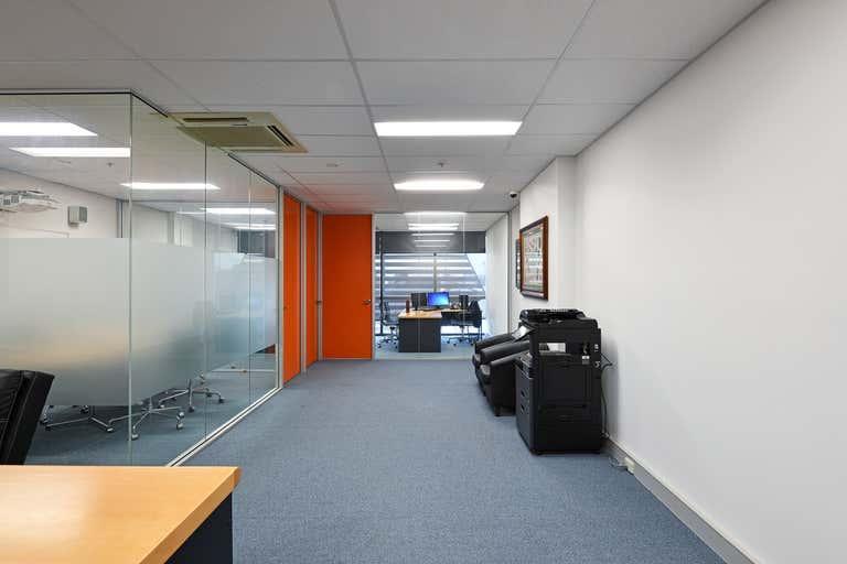 6/204-218 Dryburgh Street North Melbourne VIC 3051 - Image 3