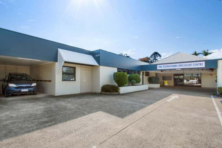8/7 Scott Street East Toowoomba QLD 4350 - Image 1