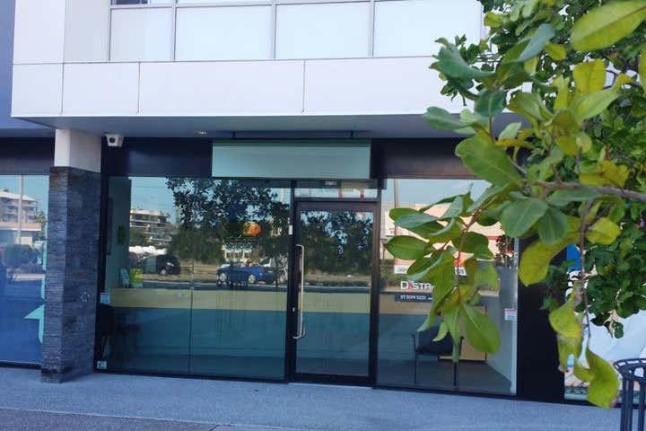 2/75-77 Wharf Street Tweed Heads NSW 2485 - Image 2