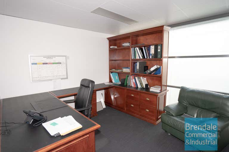 Unit 4, 253 Leitchs Rd Brendale QLD 4500 - Image 3