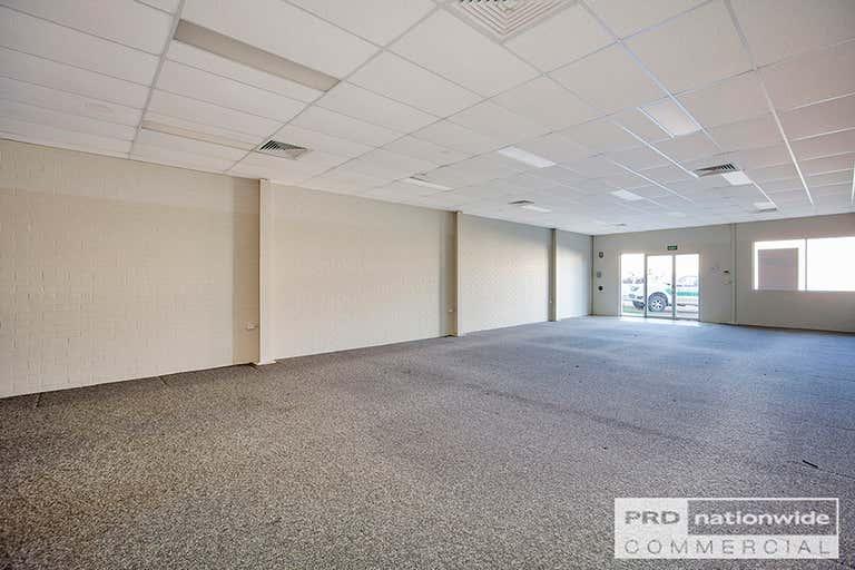 4/164 Peel Street Tamworth NSW 2340 - Image 3