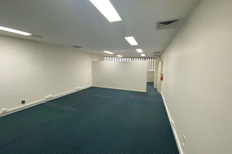 1a/ 45-47 Minchinton Street Caloundra QLD 4551 - Image 2