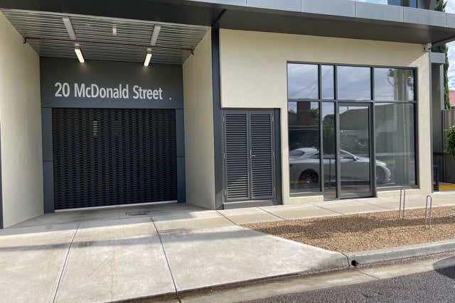 2/20 McDonald Street Werribee VIC 3030 - Image 3