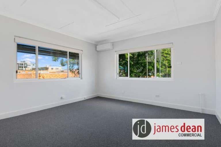 Suite 1, 123 Bay Terrace Wynnum QLD 4178 - Image 4