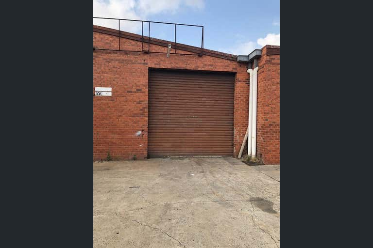 2/30 Audsley Street Clayton South VIC 3169 - Image 3