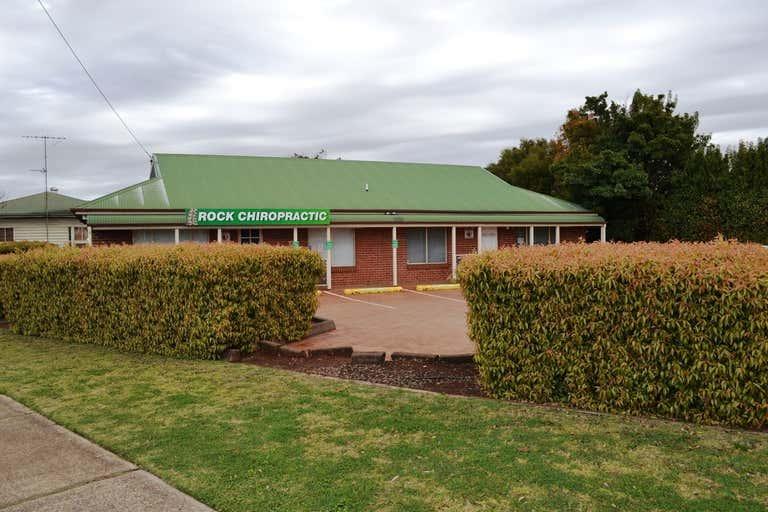 2/2 Rob Street Newtown QLD 4350 - Image 1