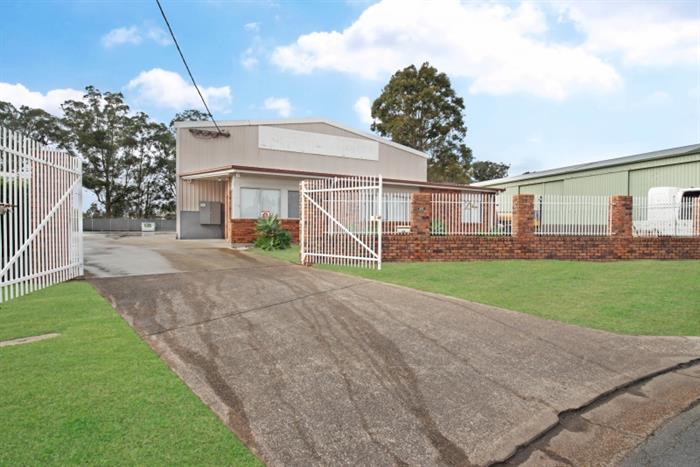 24 Heather Street Heatherbrae NSW 2324 - Image 1
