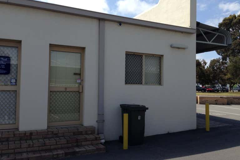 1/17 Welshpool Road St James WA 6102 - Image 4