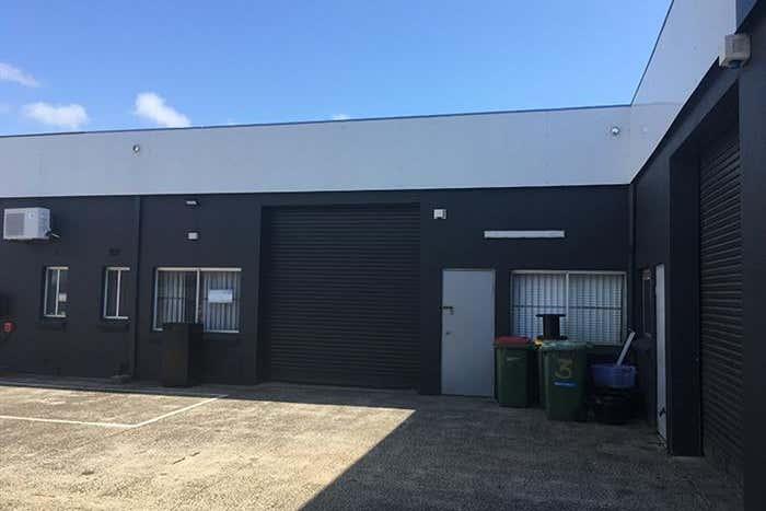 2/5 Commerce Avenue Warana QLD 4575 - Image 1