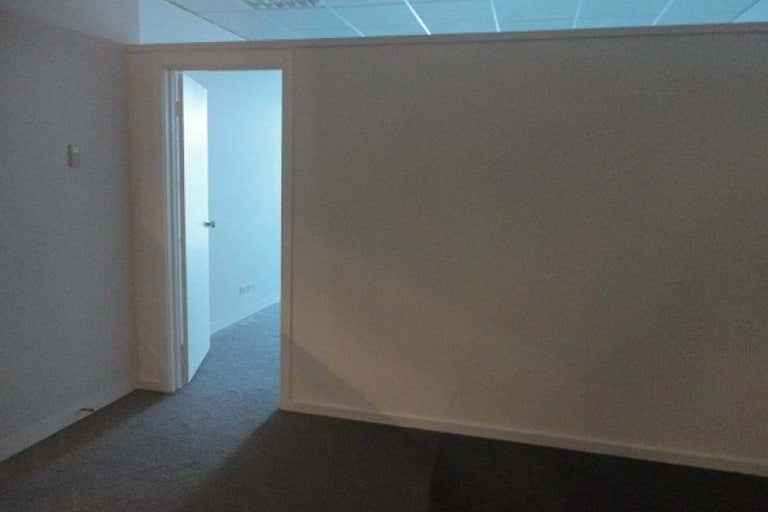 1109/401  Docklands Drive Docklands VIC 3008 - Image 4