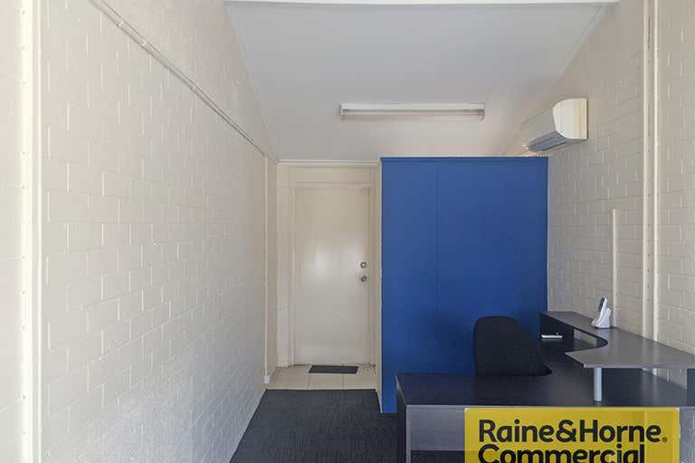 1/1279 Gympie Road Aspley QLD 4034 - Image 2