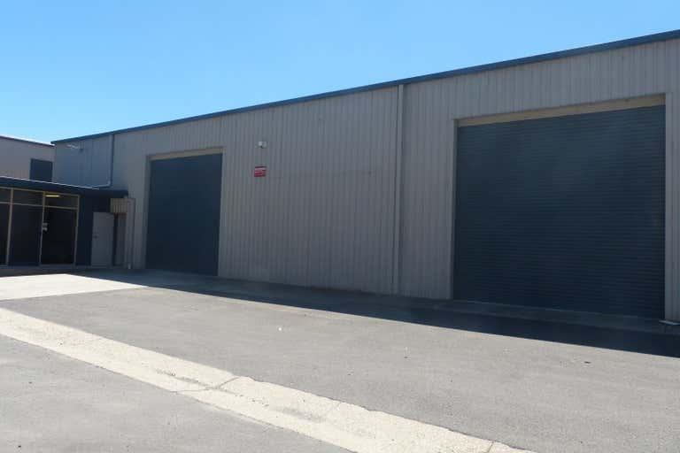 2/517 Dallinger Road Lavington NSW 2641 - Image 1