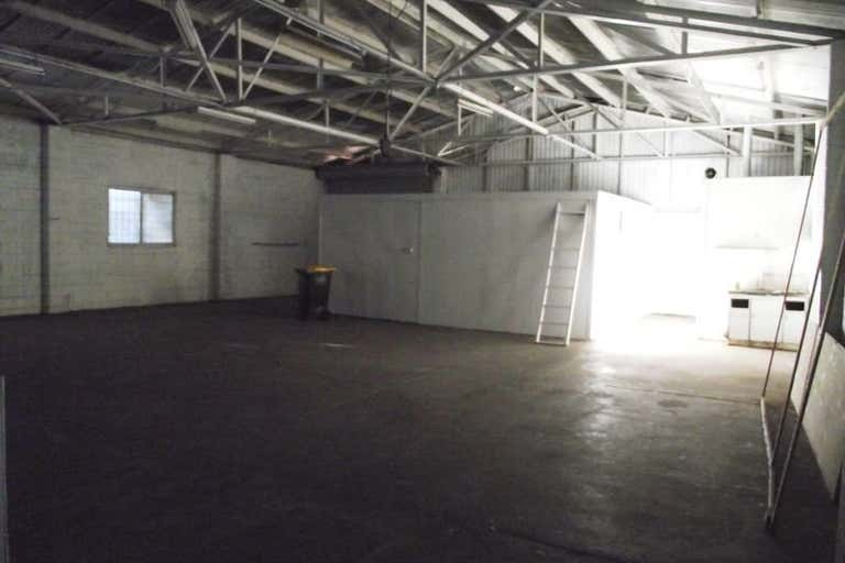 Unit 2, 241 George Street Rockhampton City QLD 4700 - Image 3