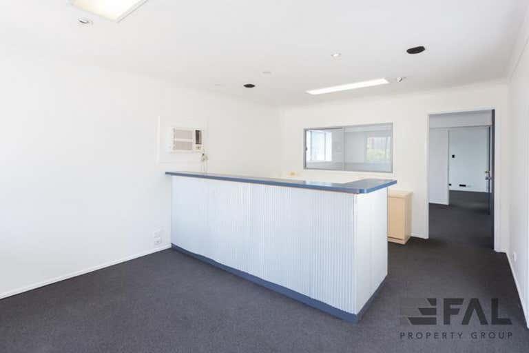 Unit  1, 6 Staple Street Seventeen Mile Rocks QLD 4073 - Image 2