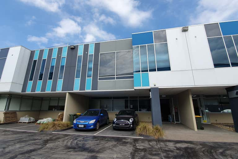 3/20-26 Sabre Drive Port Melbourne VIC 3207 - Image 1