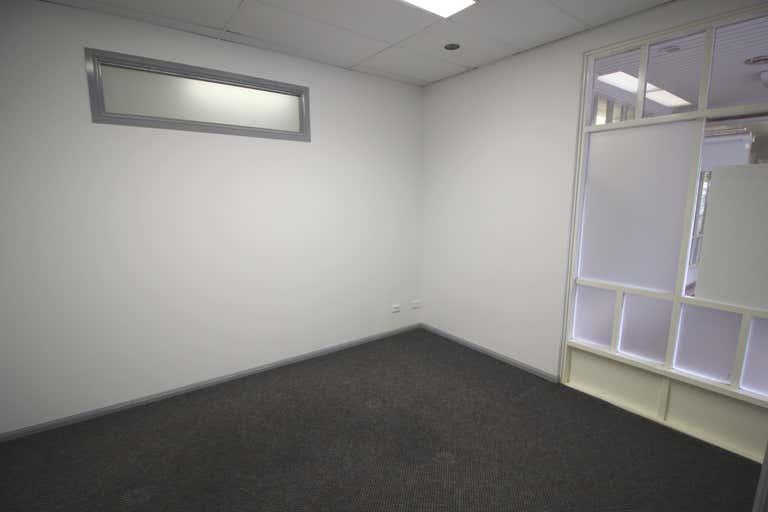 21/12-14 Lake Street Cairns City QLD 4870 - Image 4