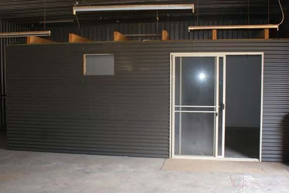 86 Francis Street Geraldton WA 6530 - Image 4