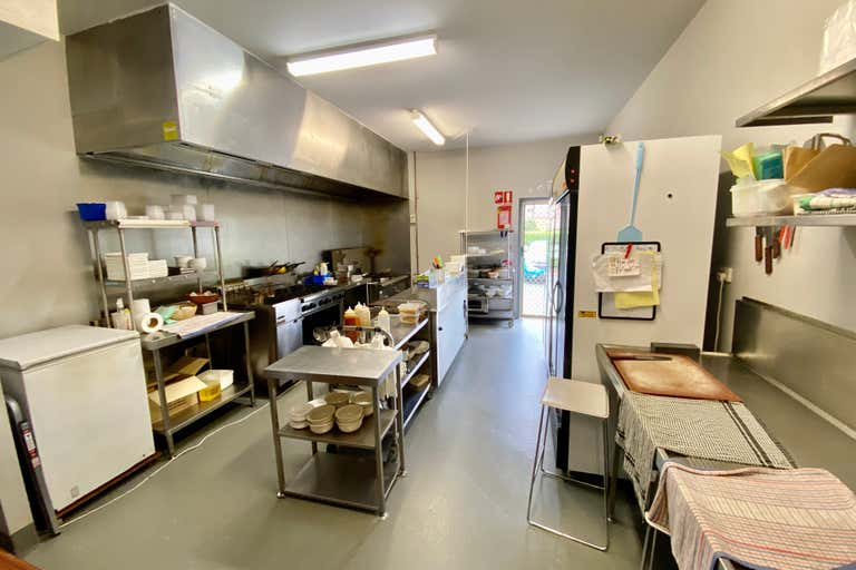 1 & 2/99 Frank Street Labrador QLD 4215 - Image 3