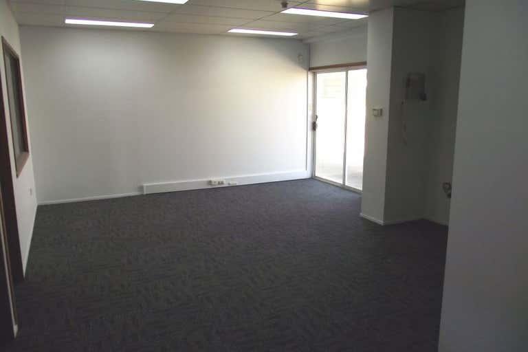 22 Power Street Kawana QLD 4701 - Image 2