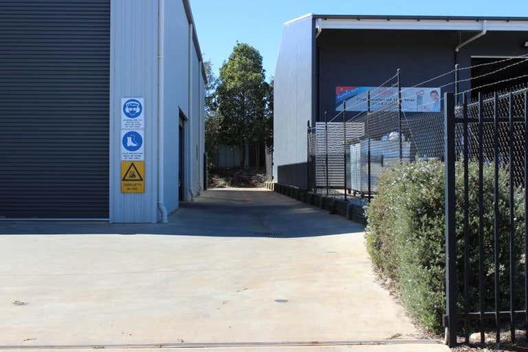 Unit 3/19 Croft Crescent Harristown QLD 4350 - Image 1