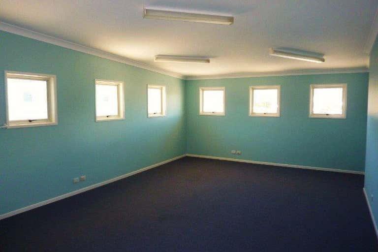 2/ 180 Anzac Avenue Kippa-Ring QLD 4021 - Image 4