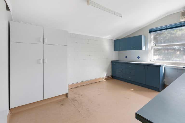 4/70 Edith Street Wynnum QLD 4178 - Image 3